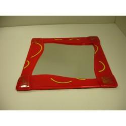 miroir, encadrement fusé en verre rouge 33x33cm