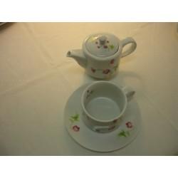 tasse et theire pour 1 personne décorée